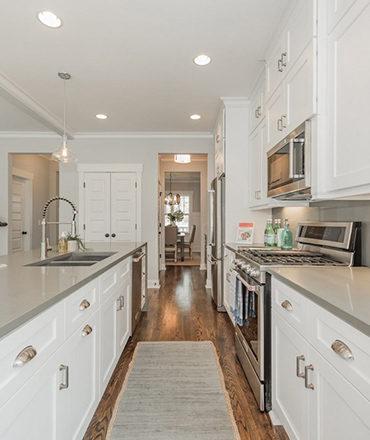 Kitchen Shaker White Cabinets